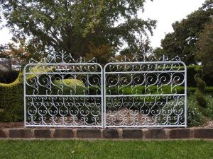 Lydia Double Driveway Gates 3050mm Opening